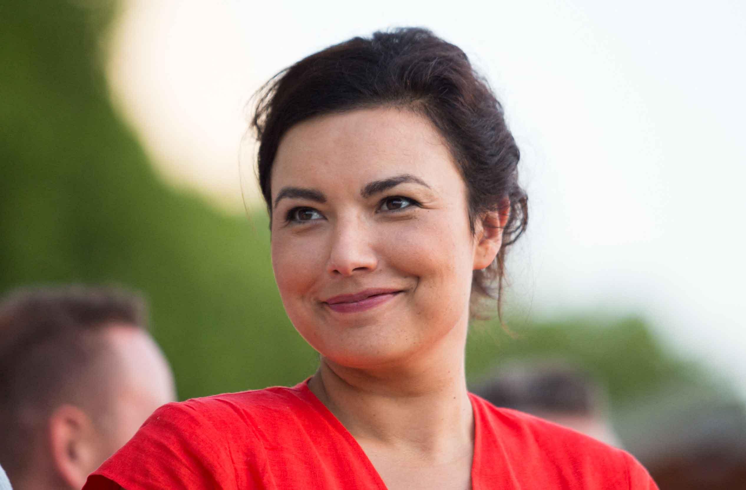 La grossesse d'Anaïs Baydemir dévoilée en direct sur France2