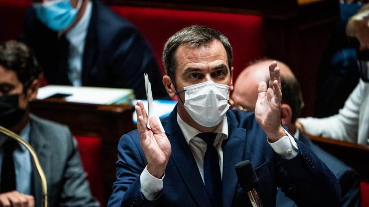 Covid-19 en France : les décisions du conseil de défense confirment le maintien du pass sanitaire, mais prévoient la suspension du port du masque dans certains espaces!