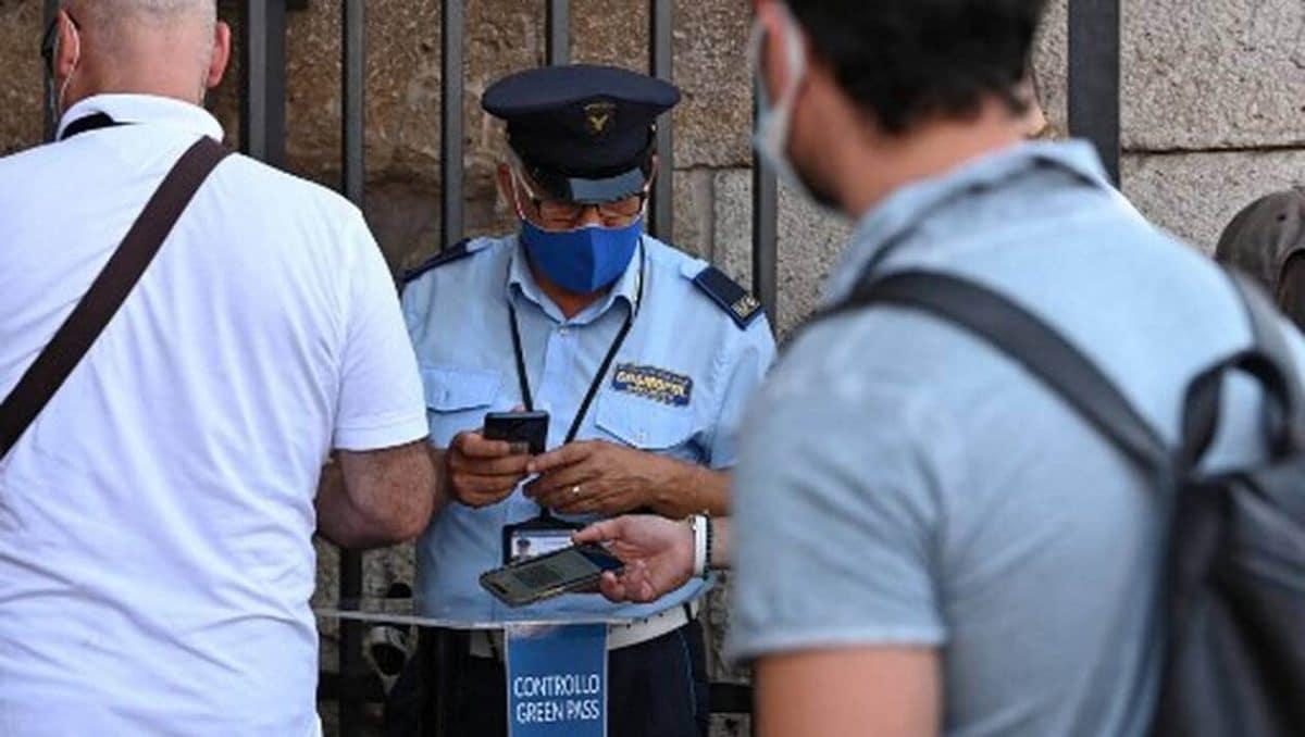 Covid-19 : l'Italie rend obligatoire le passe sanitaire pour tous les salariés du public et du privé!