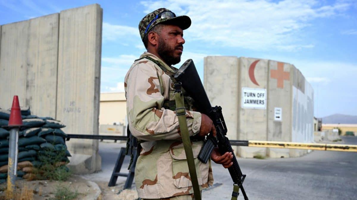 Départ du personnel militaire étranger : les talibans demandent la réouverture de l'ambassade de France!