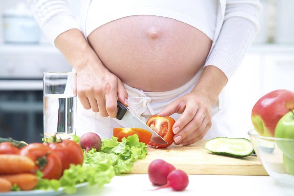 Grossesse que faut-il manger, que faut-il éviter pour maman et le bébé