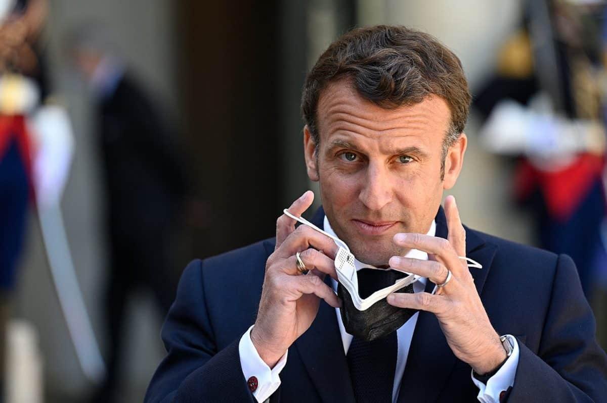 Hollande tire à boulets rouges sur Macron, l'ancien président traite l'actuel de voyageur sans boussole!