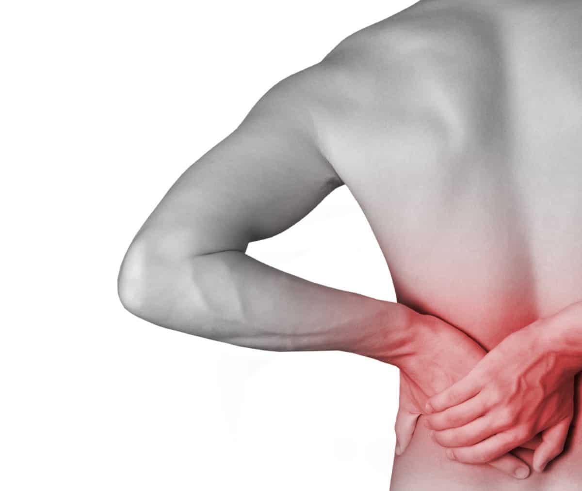 Douleurs en haut du dos: quelles en sont les principales causes?