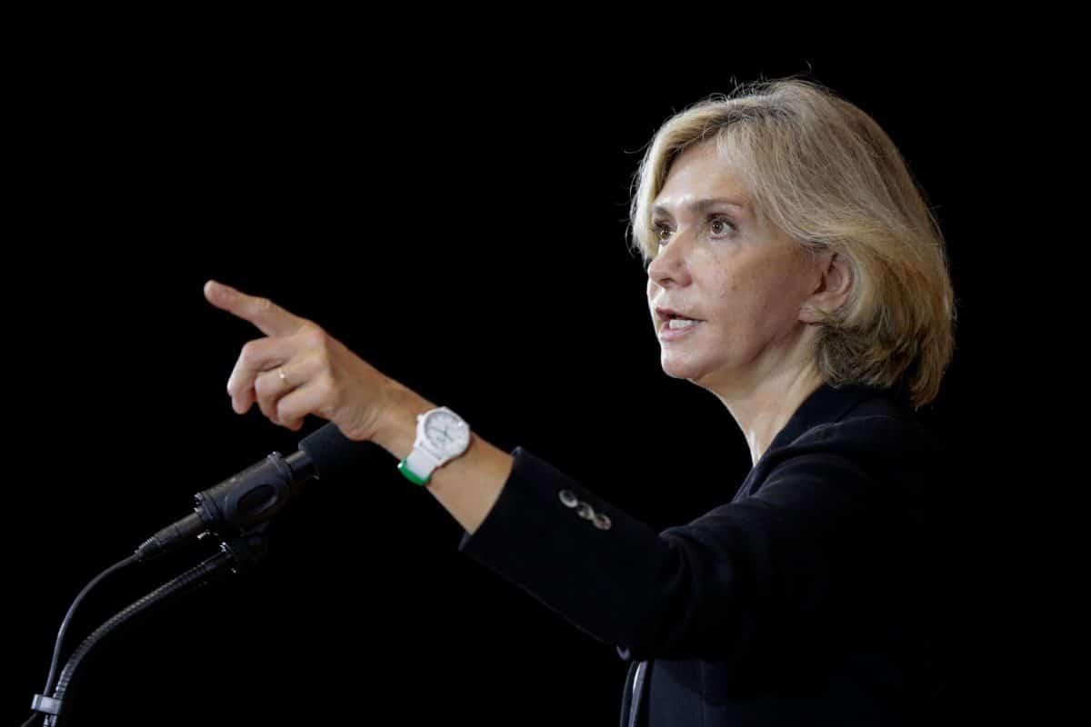 La candidate Valérie Pécresse veut supprimer 150000 postes dans l'administration publique!